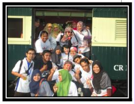 Bersama temans Blogger se antero Nusantara, duh, senangnya! :)