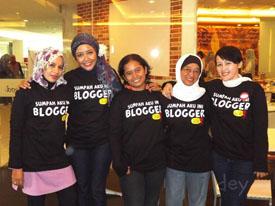 Blogger Bandung plus makpon dan mak Icoel