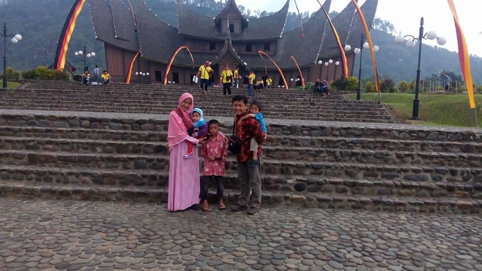 Foto Keluargaku