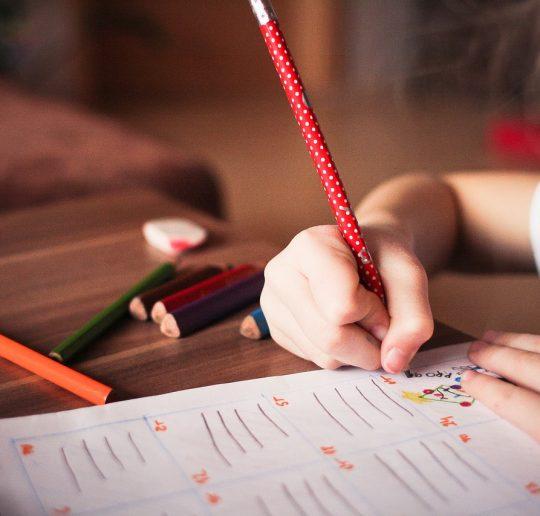 Tip Mendampingi Anak Belajar Agar Anak Semangat Menyambut UAS