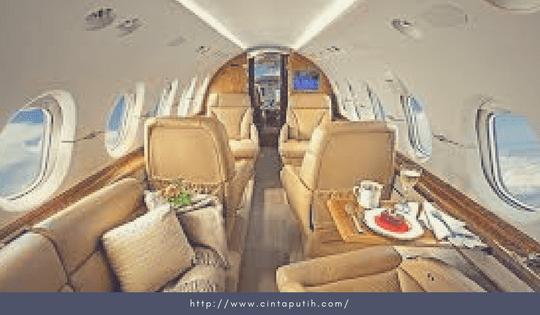 Pesawat Jet Eksklusif