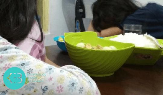 Agar Anak Semangat Makan Sahur