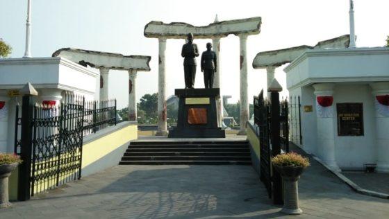 Wisata Sejarah Kota Surabaya
