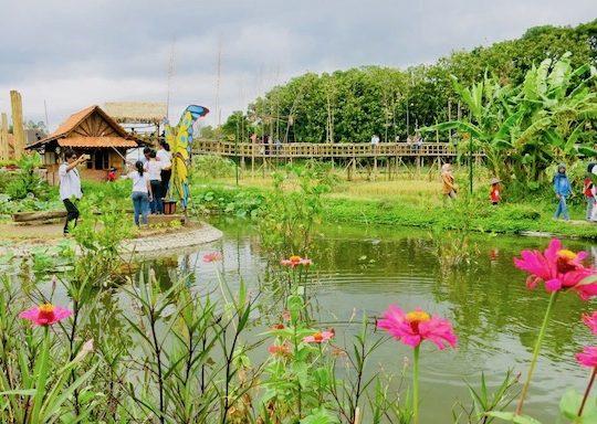 Kampung Flory, Wisata Edukasi