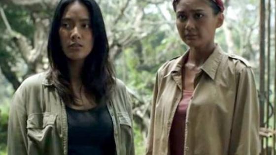 Perempuan Tanah Jahanam - Maya dan Dini