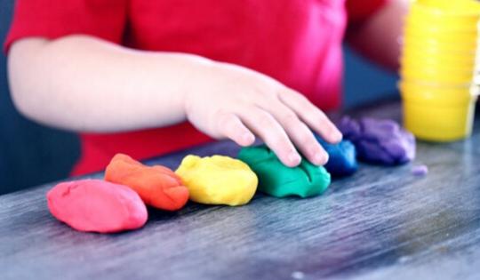 Pentingnya Mengembangkan Bakat Seni pada Anak