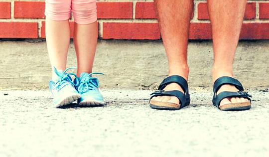 5 Bukti Kasih Sayang Ayah, Nggak Kalah dari Emak