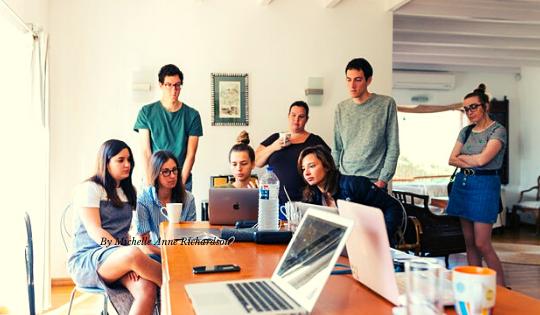 9 Cara Mempertahankan Energi Positif di Kantor Demi Kenyamanan Bekerja