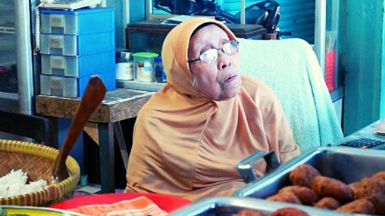 Warung Nasi Bu Eha, Legenda Kuliner Bandung
