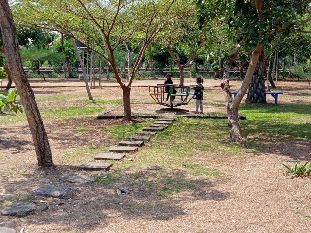 Liburan Keluarga Asyik di Taman Edupark Gemolong
